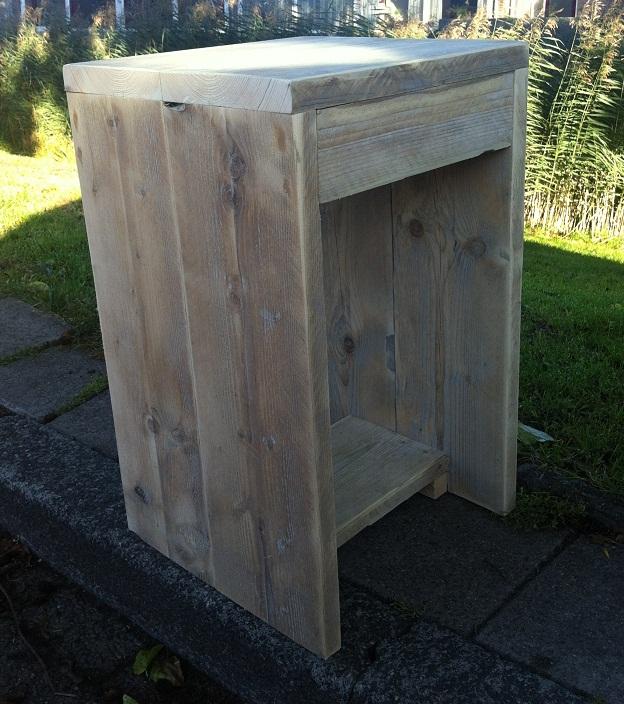 Hoge kruk  u201cZee u201d steigerhout onbehandeld zithoogte 65 cm   Hillshome   Steigerhouten meubels