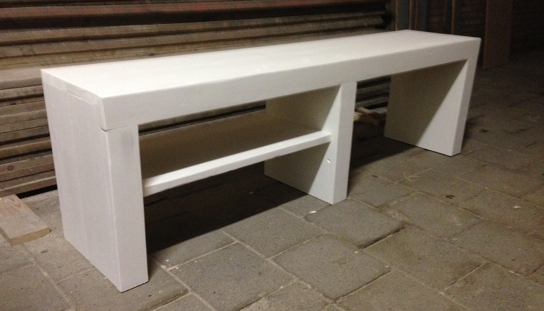 Tv meubel loes steigerhout wit krijtverf painting the for Steigerhout tv meubel maken